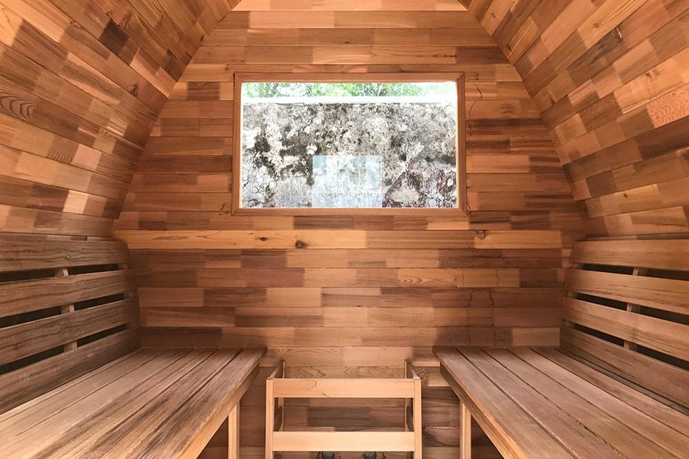 Sauna pod binnen