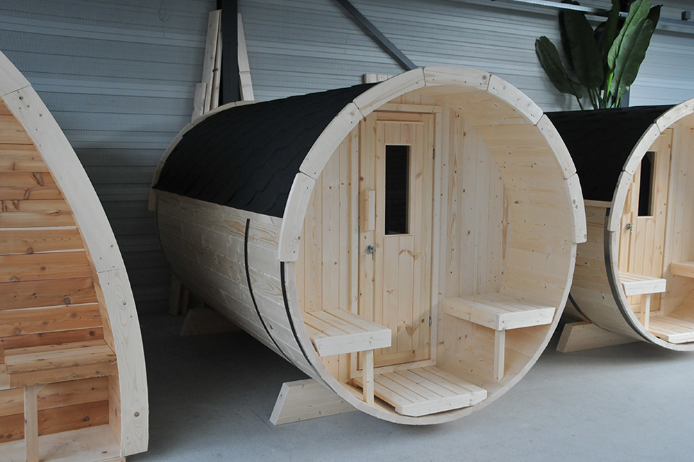 Barrel sauna showroom